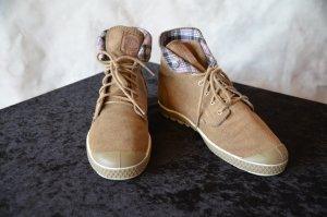 coole -Sneakers von Palladium