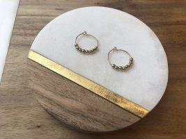 Creolen mit kleinen Perlen in Gold