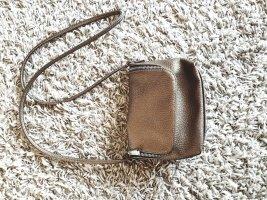 Crossbody Bag im Metallic Look