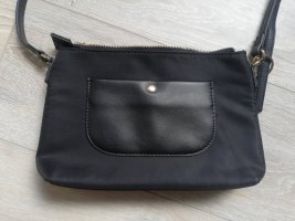 Crossbody/Umhängetasche Nylon schwarz im Prada Style