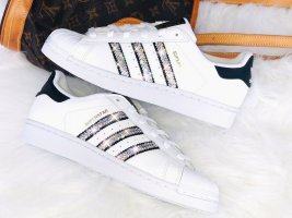 Crystal Adidas Superstar J Luxus Sneakers mit Swarovski Elements white / black
