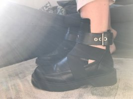 Zara Woman Cut Out Booties black leather