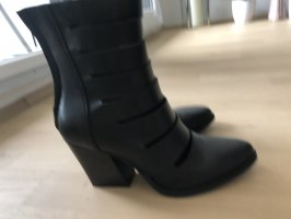 find. Heel Boots black leather