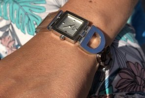 D&C Zegarek z metalowym paskiem srebrny