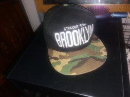 Gorra de béisbol gris verdoso