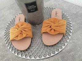 Annie G. Flip-Flop Sandals primrose
