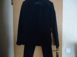 Zakelijk pak donkerblauw