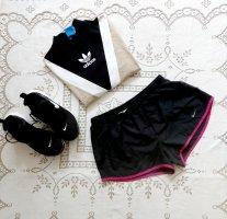 Damen Nike aktiv Shorts Gr.M sehr gut