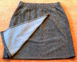 Falda cruzada gris