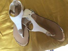 Mannika Toe-Post sandals white