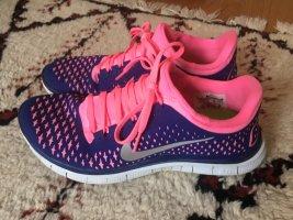 Nike Lace-Up Sneaker dark violet-pink