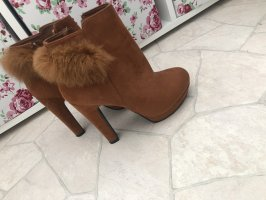 Fur Boots brown