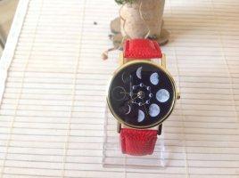 Reloj analógico rojo-color plata