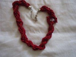 Necklace carmine