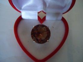 Zdobiony pierścionek rudy