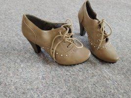 Botas del desierto marrón grisáceo