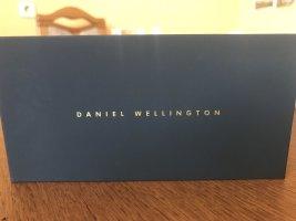 Daniel Wellington Analog Watch blue-white cotton