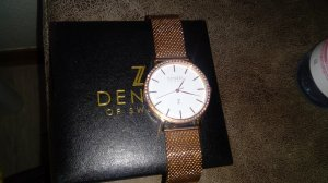 Reloj con pulsera metálica color rosa dorado-color oro