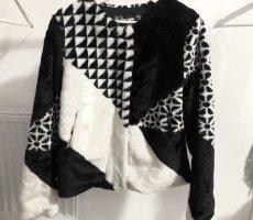 Desigual Giacca in eco pelliccia bianco-nero