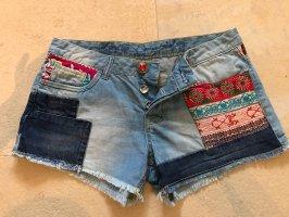Desigual Jeans Shorts / kurze Hose / Hot Pants gr. 27 (36)