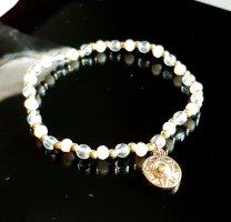 Bransoletki z perłami biały-złoto