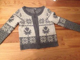 dickere, schöne Strickjacke grau weiß mit winterlichem Norweger-Muster