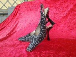 Dieser Schuh macht einen sehr schönen Fuß! Wir sind soo einfach zufrieden zu stellen...