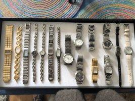 Diverse Armbanduhren für Damen