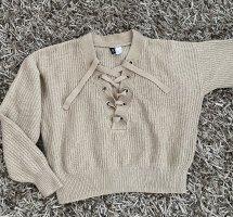 Divided Pullover