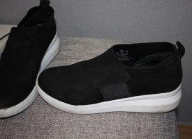 DKNY Sneaker 38. Passt auch zu 39