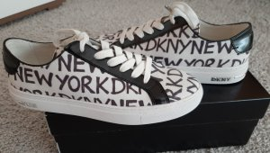 DKNY Sneakers