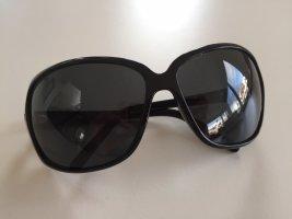 Dolce & Gabbana Oval Sunglasses black