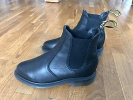 Dr. Martens Modell 'Laura' Chelsea Boots
