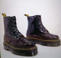 Dr.Martens-Molly-Schwarze Stiefel aus krakeliertem Leder
