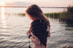 Châle au tricot brun acrylique