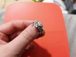 Pierścionek z ozdobnym kamieniem srebrny