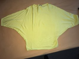 Dünner Pullover mit Fledermausärmeln