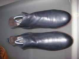 dunkelblaue, bequeme Schuhe, weiches Leder, sehr gepflegt, neuer Absatz