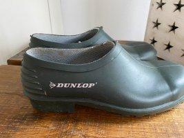 Dunkelgrüne Latschen / Clogs / Gartenschuh von Dunlop, Gr. 37