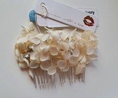 Hair Pin white-natural white