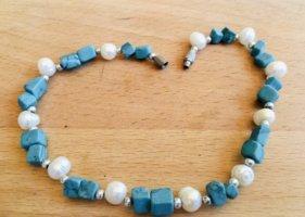 Echtes Perlen, Steine und stainless steel Verschluss Armband / Bracelet oder Knöchelarmband / Ankle Bracelet. Sehr schicker, Edeler, moderner, Femininer, einzigartiger Blogger-Stil.