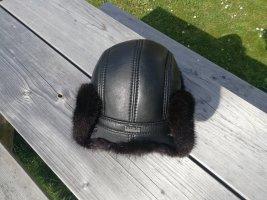 Futrzana czapka czarny-czarno-brązowy