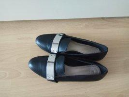 Bianca Wingtip Shoes black
