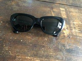 Eckige schmale schwarze Sonnenbrille