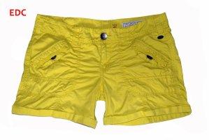 EDC by Esprit - sattgelbe Shorts Größe 40/ Waist 30 - super Zustand
