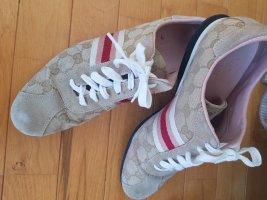Edle Sneaker v. Gucci, gr. 39 G, beige top Zustand