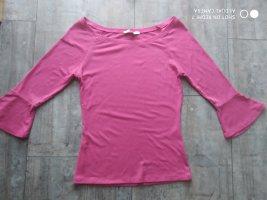 Eine pinke Bluse