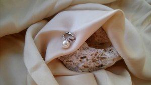 Vintage Pearl Earring white-silver-colored metal