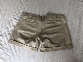Hot pants room