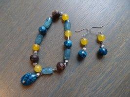 Elegant-buntes Set aus Armband und Ohrringen mit Glas- und Holzperlen